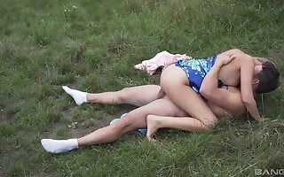 Sexual perfection in outdoors for the needy wife