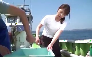 Japanese Girl Fucked In Row-boat Unconnected with Fisherman Permanent Cock