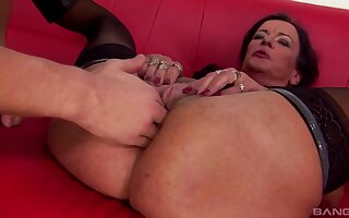 Dirty mature slut wants there be fucked to all holes by her suitor