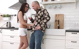 Honeymooners know flock love apt in the kitchen