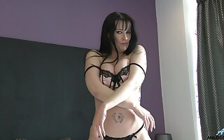 Provocative video of mature Tanya Cox playing with her pussy