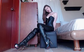 Solely leather babe webcam
