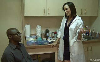 Female nurse is grave to try this guy's conceitedly hyacinthine dick roughly her ass