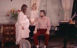 Initiation of Irish colleen (1979)